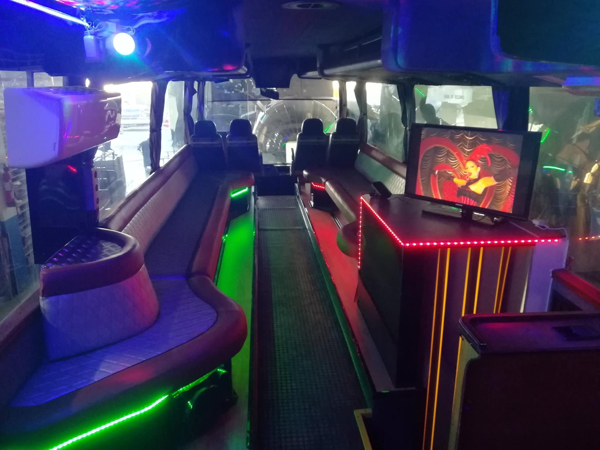 Bus Limousine Disco creado por Remolques Tarragona